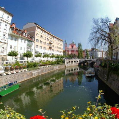 Picturesque Capital - Galeria River